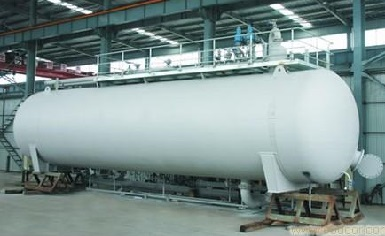 Pressure vessel made from ASTM A387 Cr-Mo alloy steel plates.