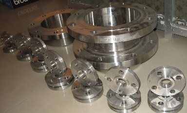 ASTM A182 F316L S/O & W/N flanges, 150#.