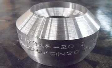 "ASTM B462 UNS N08020, weld outlet, CL. 3000, 8""x1-1/4"" STD."