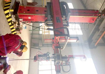 Automatic weld overlay equipment